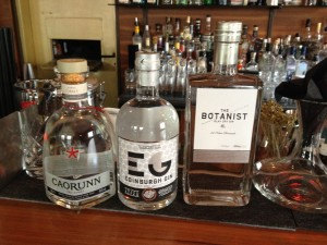 Drei Schotten im Gin-Tasting